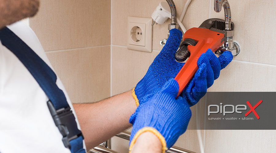 Things You Need to Consider Before Calling a Waterline Repair or Replacement Service